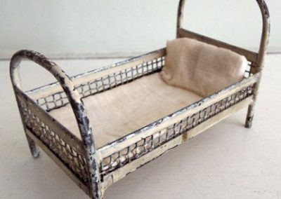 Antique-Short-Metal-Bed-With-Celluloid-Doll4