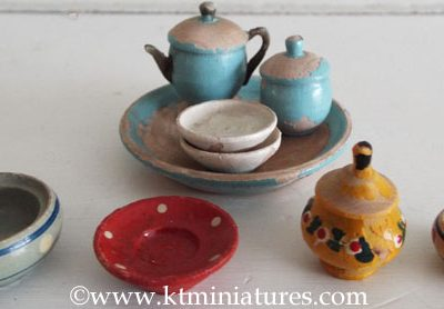 Assorted Vintage Wooden Plates, Bowls, Tray etc. (9 pieces plus lid) @ £15.00 SOLD