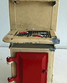Vintage Barrett Metal Cooker With Red Door @ £32.00