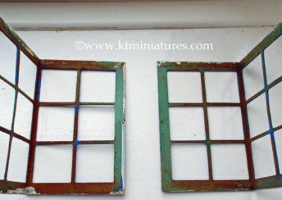 Corner-Tri-ang-Metal-Windows-From-No