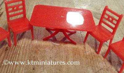 Vintage Small 1/24th Scale Kleeware Plastic Dining Room 8 Piece Set @ £13.00