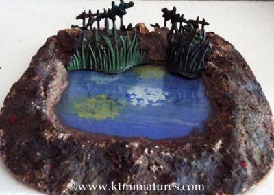 Vintage Pond & Metal Bulrushes/Fences @ £35.00