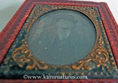 Old-Leather-Framed-Photo2