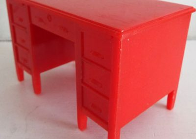 Rare-Kleeware-Red-Desk3