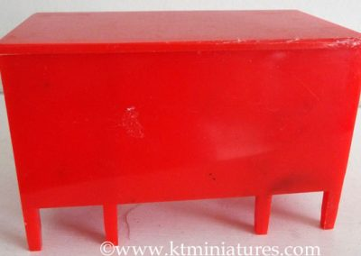Rare-Kleeware-Red-Desk4