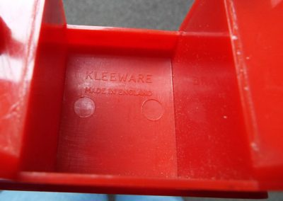 Rare-Kleeware-Red-Desk5