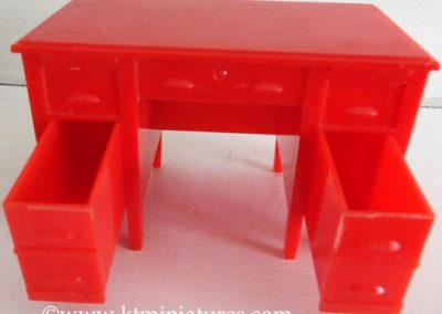 Rare-Kleeware-Red-Desk6