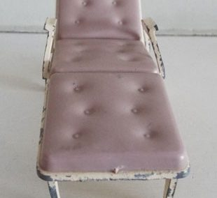 c1960s Tri-ang Pale Beige Sun Lounger @ £14.00