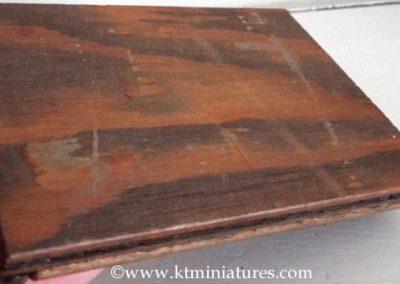 art-deco-style-wooden-tray-miniature2