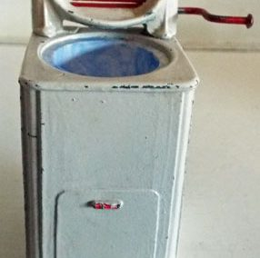 c1950s Barrett & Sons Washing Machine (missing round lid) @ £14.50 RESERVED
