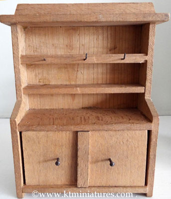 vintage-dresser